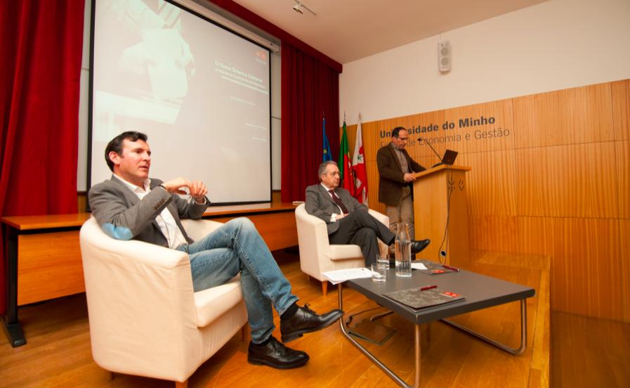 """Sessão de Esclarecimento sobre """"O Novo Sistema Eleitoral – proposta na Assembleia da República"""""""