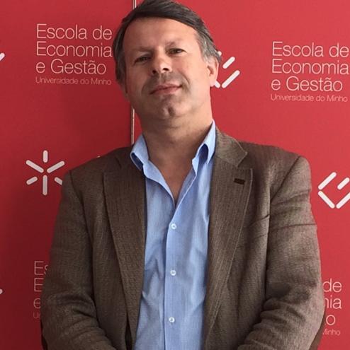 http://cicp.eeg.uminho.pt/wp-content/uploads/2021/10/José-Miranda-e1635239531840.png